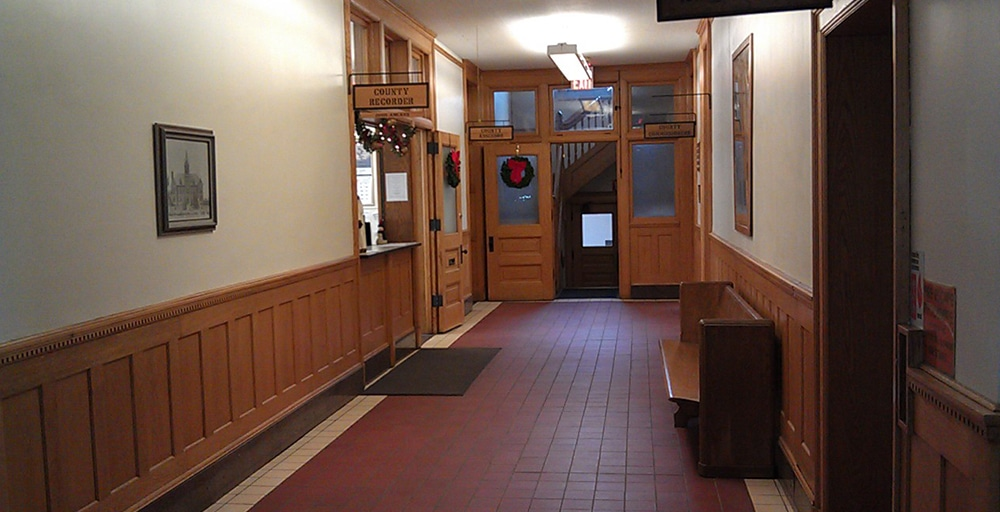 LAC QUI PARLE Courthouse entry